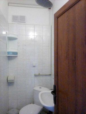 Family-bathroom2